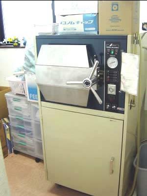 大型高圧蒸気滅菌器