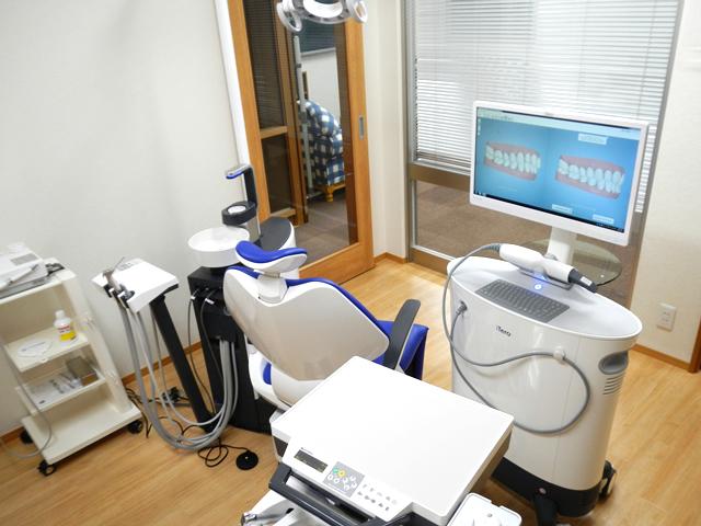 こちらが当院のi-Tero ®スキャニング(光学デジタルスキャニングカメラ)です。