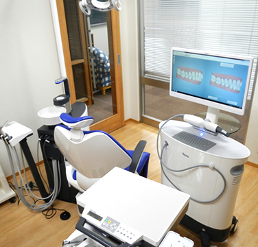当医院のi-Teroデジタルスキャニングです。