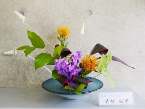 『美しく輝く花達』