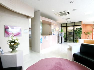 北インター歯科クリニックの待合室①