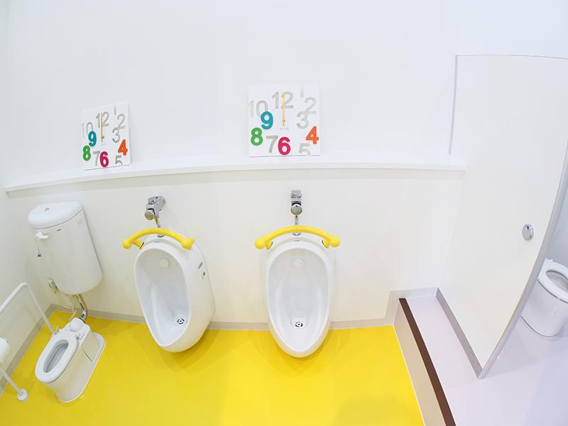お子様用のトイレ