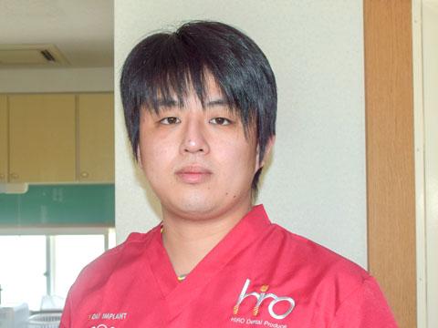 歯科医師:小沼 雄太
