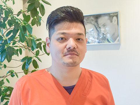 歯科医師:西島 龍太郎