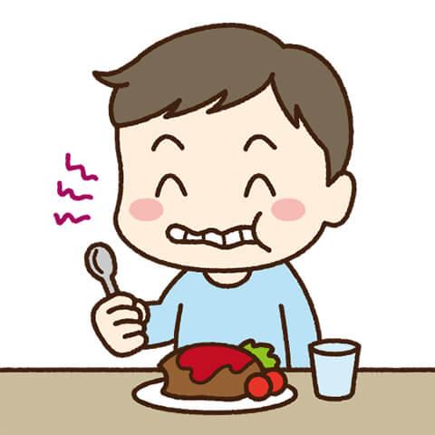 生えかけの歯も多いため、隙間が多く食べカスが溜まりやすい