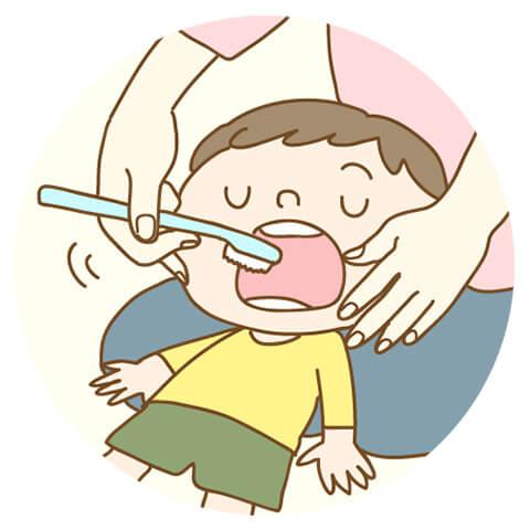 親御さんに歯を磨いてもらう