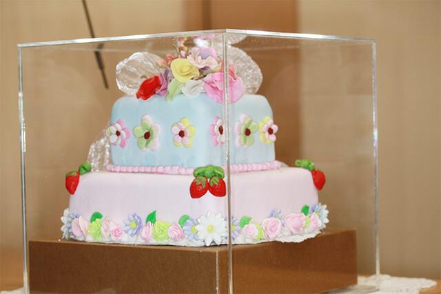 お砂糖のケーキです。