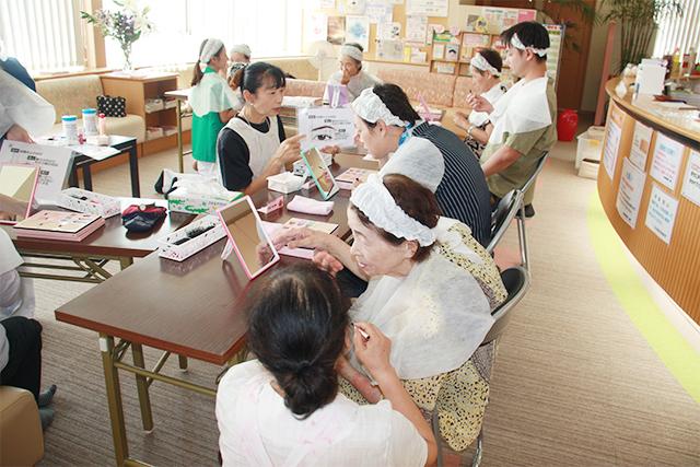 R1.8.9「いきいき健康お化粧教室」