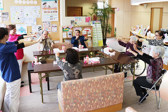 R1.11.8「いきいき健康お化粧教室」