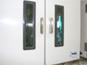 紫外線滅菌収納庫