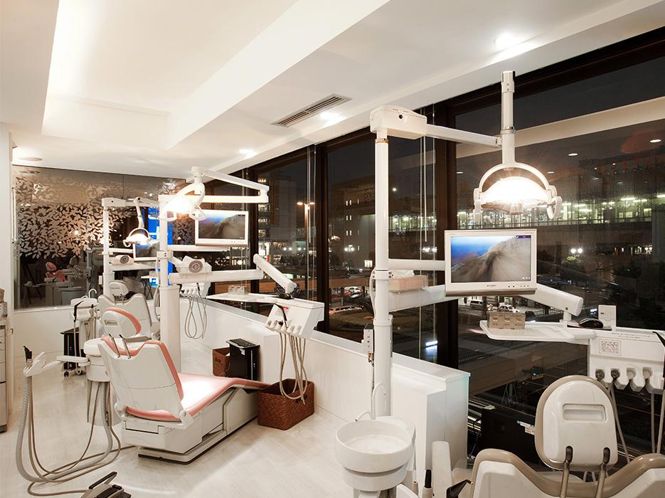 診療室(夜)