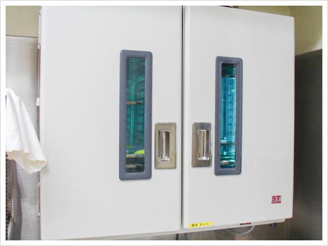 紫外線照射機能付き保管庫