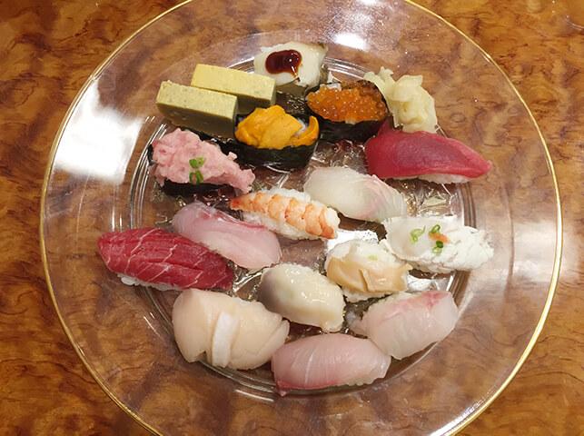 寿司屋さんでおまかせ握り