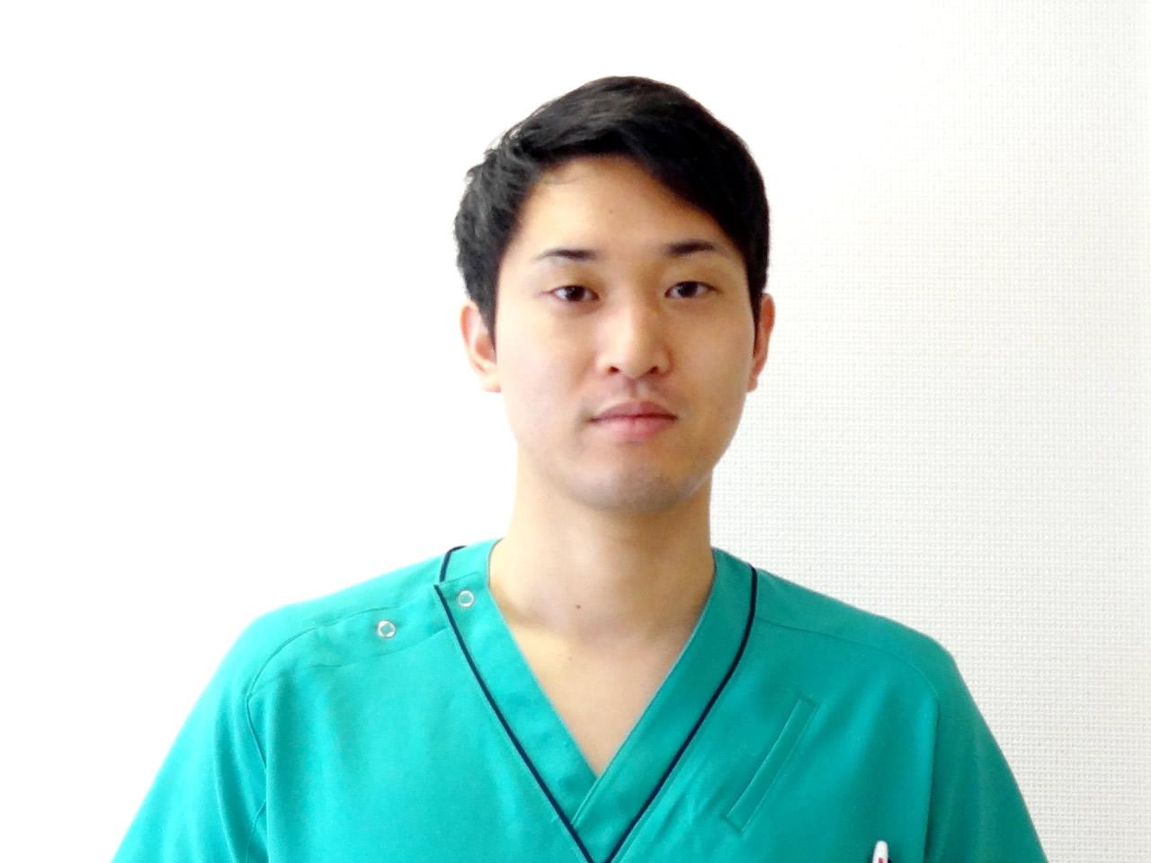 歯科医師 江良 達宣