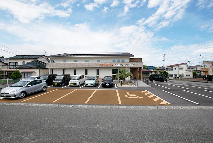 駐車場(医院正面側)