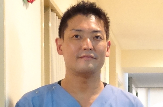 医院長 菅崎 紳
