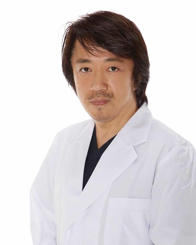 院長 澤井 泰董(さわい やすなお)先生